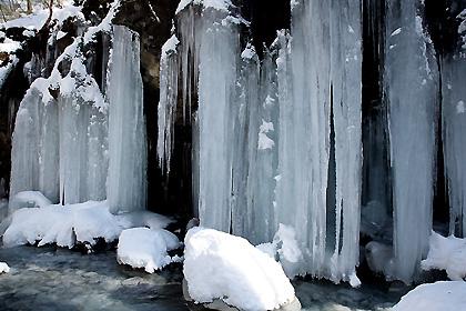 スッカン沢の氷柱