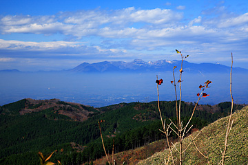 雪を冠する那須の山々
