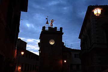 夕暮れのモンテプルチャーノ